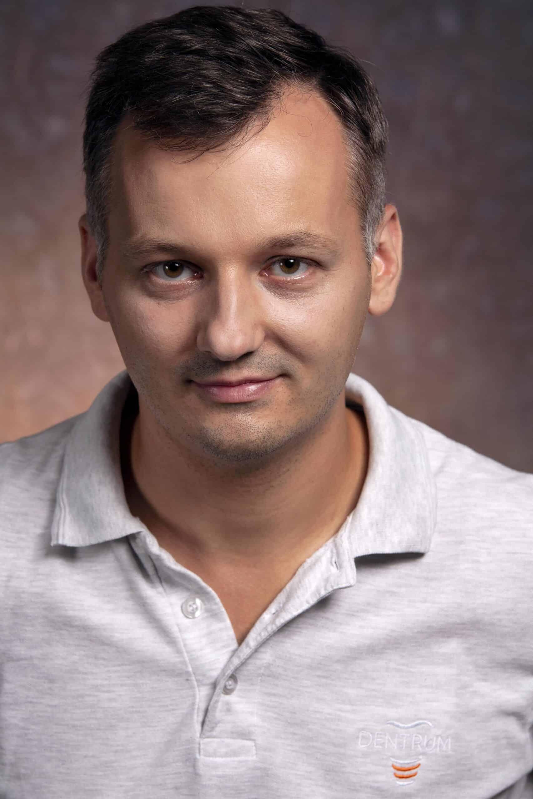 szkolenia implantologiczne Daniel Ciapiński
